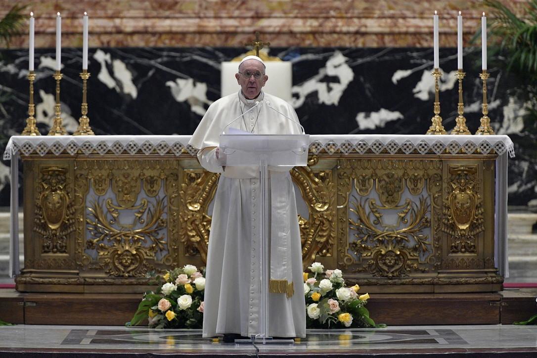 Mesazhi i Papa Franceskut ditën e Pashkëve: Në fushatën e vaksinimit ndihmoni vendet e varfra