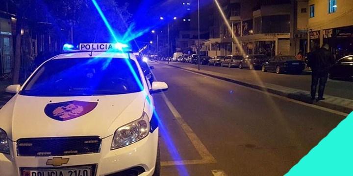 Sherr mes 5 personave në Tiranë, njëri prej tyre qëllon me armë zjarri në ajër