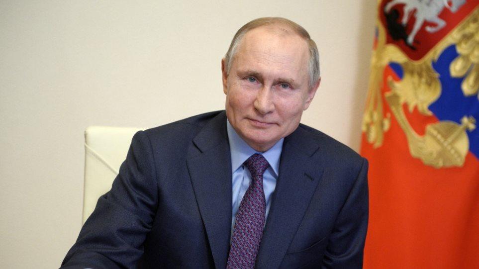 Putin i përgjigjet Zelensky: Jam i gatshëm të pres në Moskë presidentin e Ukrainës
