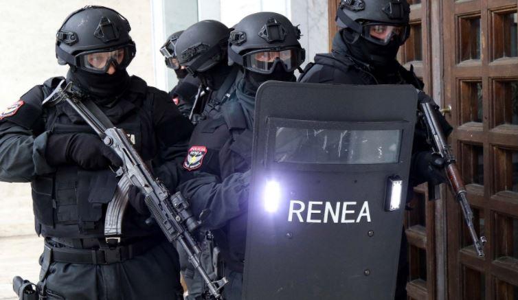 RENEA aksion në Tiranë, zbulohet një bazë armatimi arrestohen tre persona