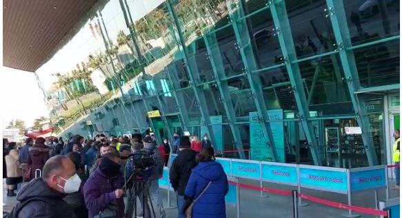 Më shumë se 48 orë nga bllokimi i fluturimeve, kthehet normaliteti në Aeroportin e Rinasit
