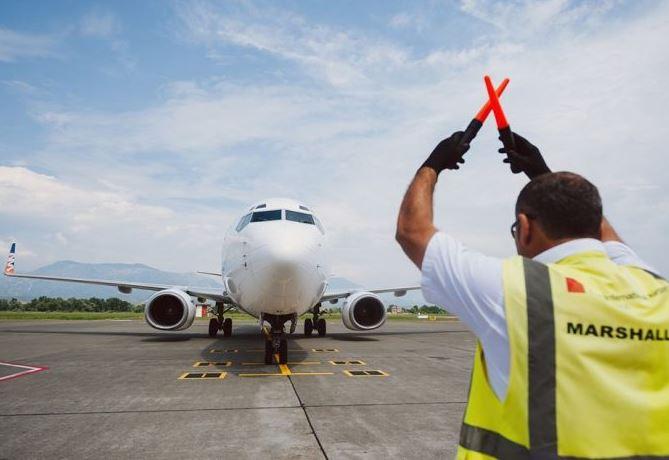 Si u kthye mbrapsht në Athinë avioni me 68 pasagjerë: Zbardhet dëshmia e inspektorit në Rinas