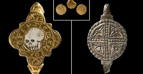 Zbulohet unaza e rrallë mesjetare e gjendur me një kafkë