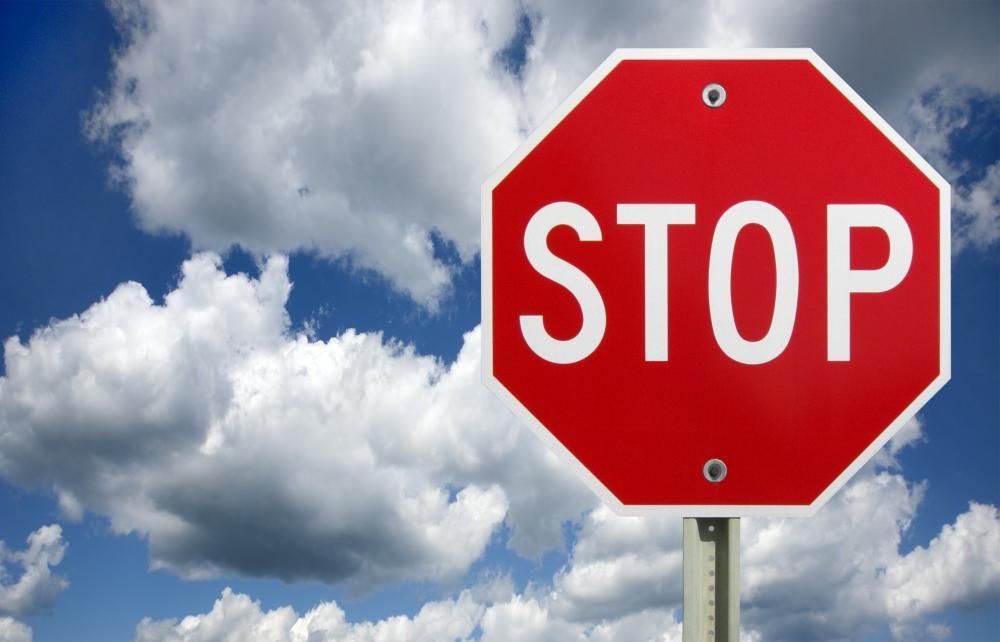 """Pse shenja """"Stop"""" është tetëkëndësh?"""