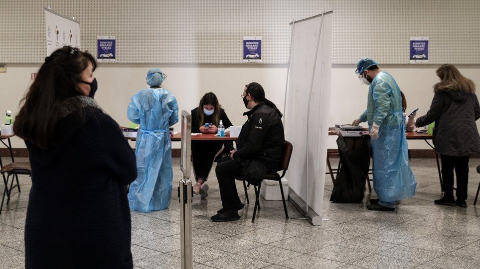 Shifra të larta të infektuarish me Covid në Greqi, humbin jetën 52 persona