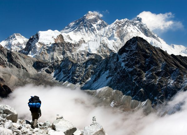 """COVID """"pushton"""" edhe Malin Everest, konfirmohen rastet e para në majën më të lartë të botës"""