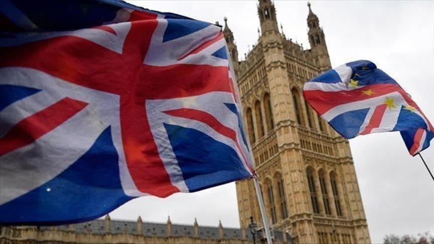 Londër, Besnikët e juntës nuk lënë ambasadorin e Mianmarit të futet në zyrën e tij