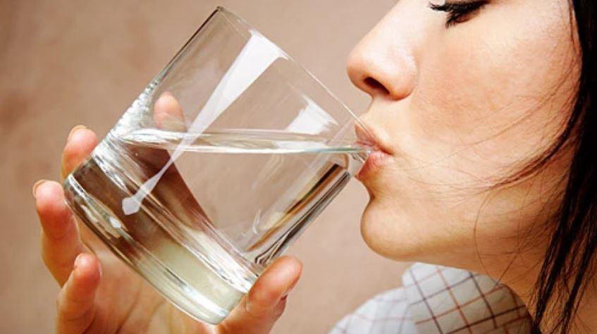 Përveç ujit, ka disa mënyra si të ndaloni lemzën