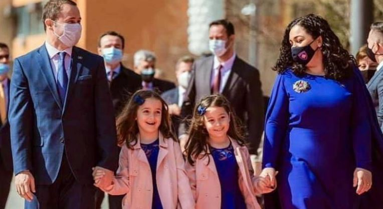 Festë e madhe në familjen e Vjosa Osmanit, dalin pamjet e para nga martesa e vëllait të Presidentes