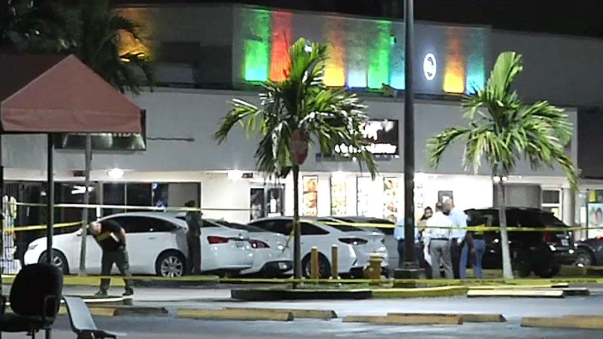 """Të shtëna në një """"club"""" në Florida, 2 viktima e të paktën 20 të plagosur"""