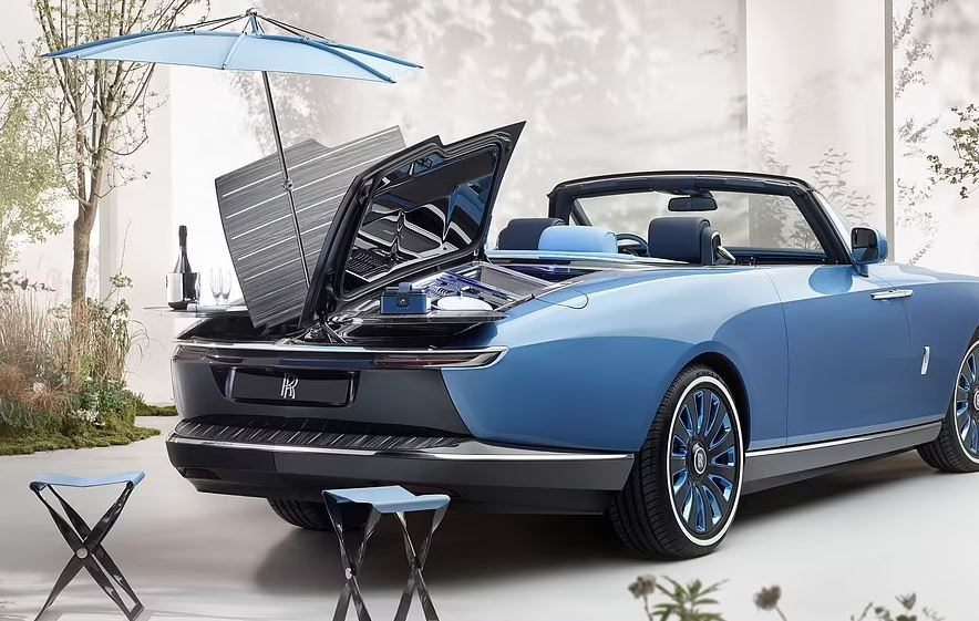 Del në treg makina më e shtrenjtë në botë: Pjesa e pasme mund të shndërrohet në set pikniku