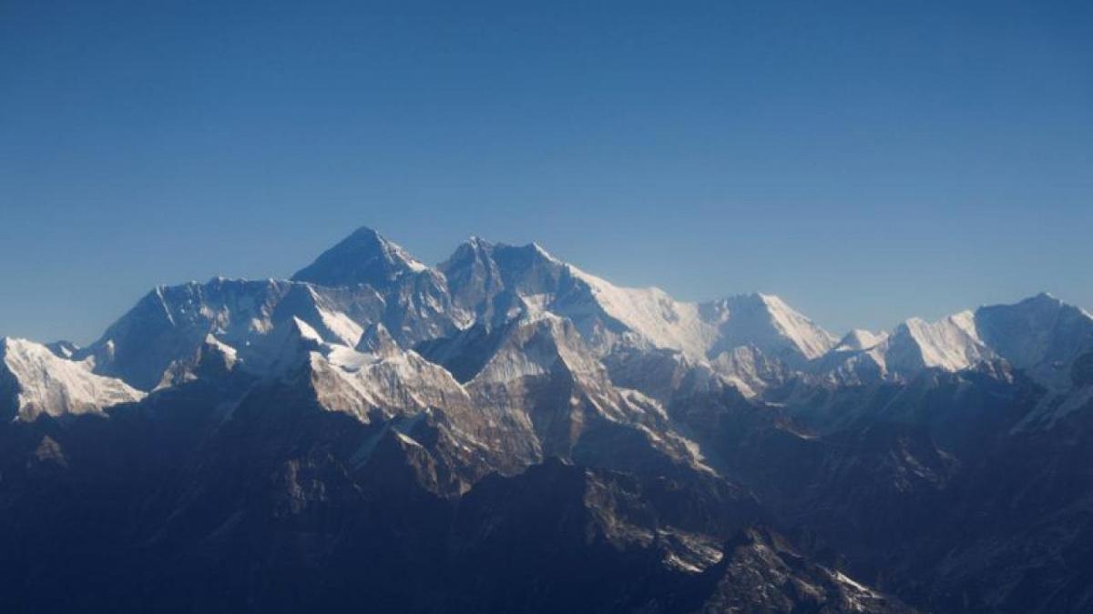 Lodhja iu merr jetën dy alpinistëve në Everest