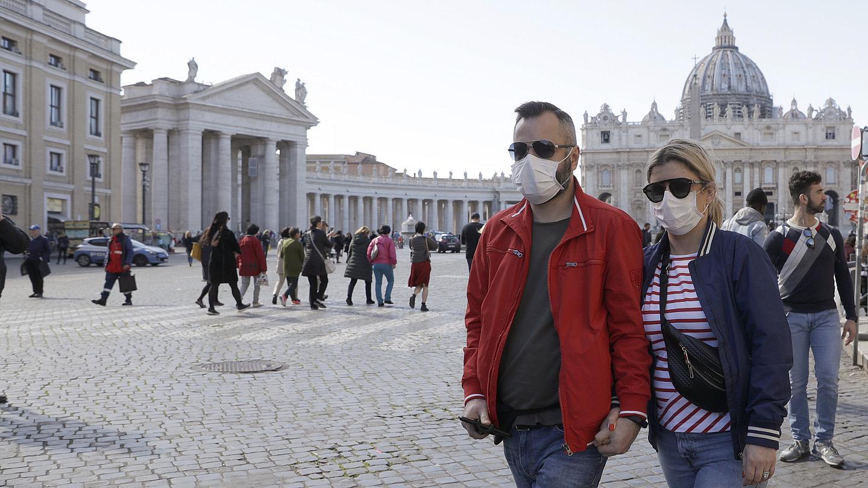 Pas një periudhe të gjatë izolimi, Europa rihap turizmin