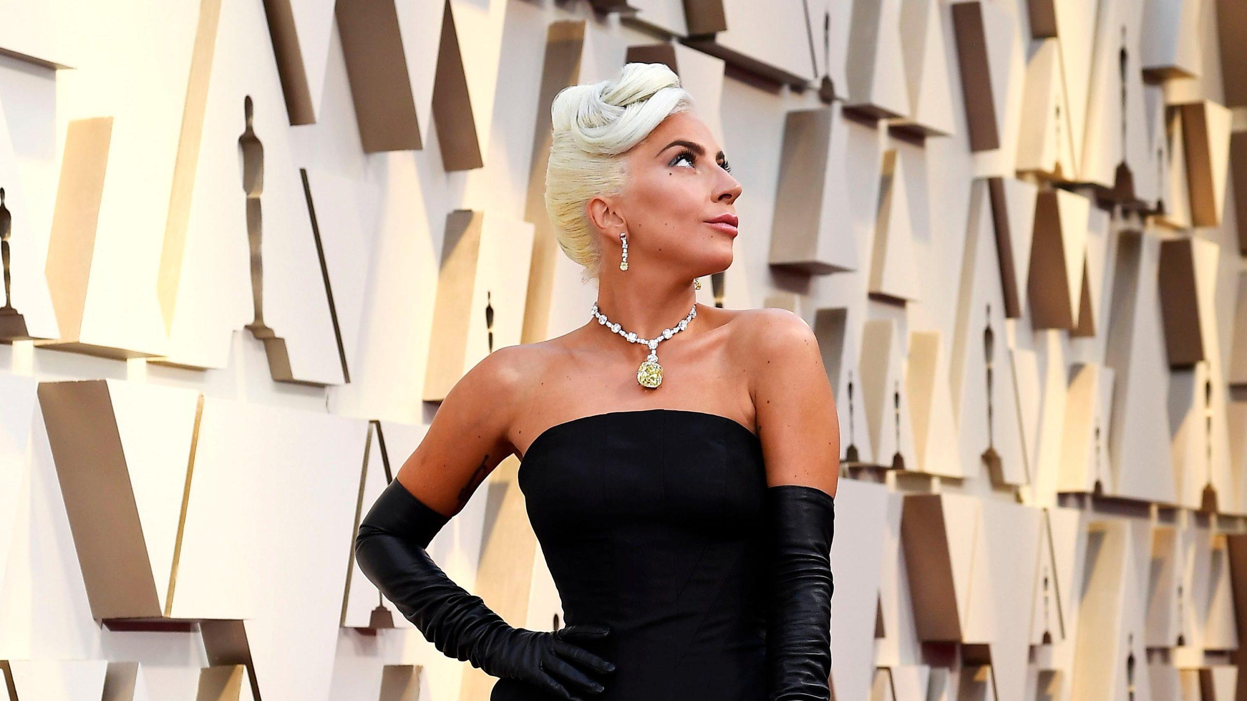Zakonet e Lady Gaga-s që e mbajnë atë në formë të shkëlqyer
