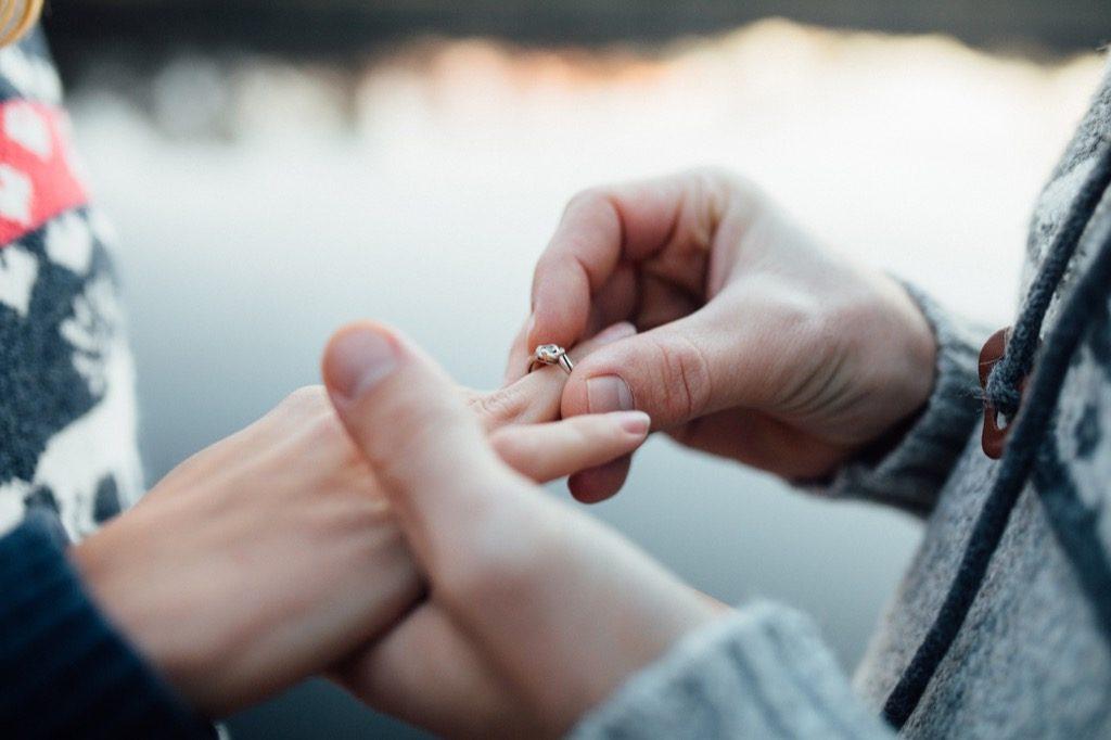 Mos e besoni! 3 gabime të zakonshme që mund të hasni në lidhje me martesën