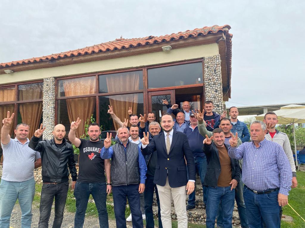Ervin Salianji takim me shtabin: E kthyem Voskopin blu pas shumë kohësh, demokratët nuk dorëzohen