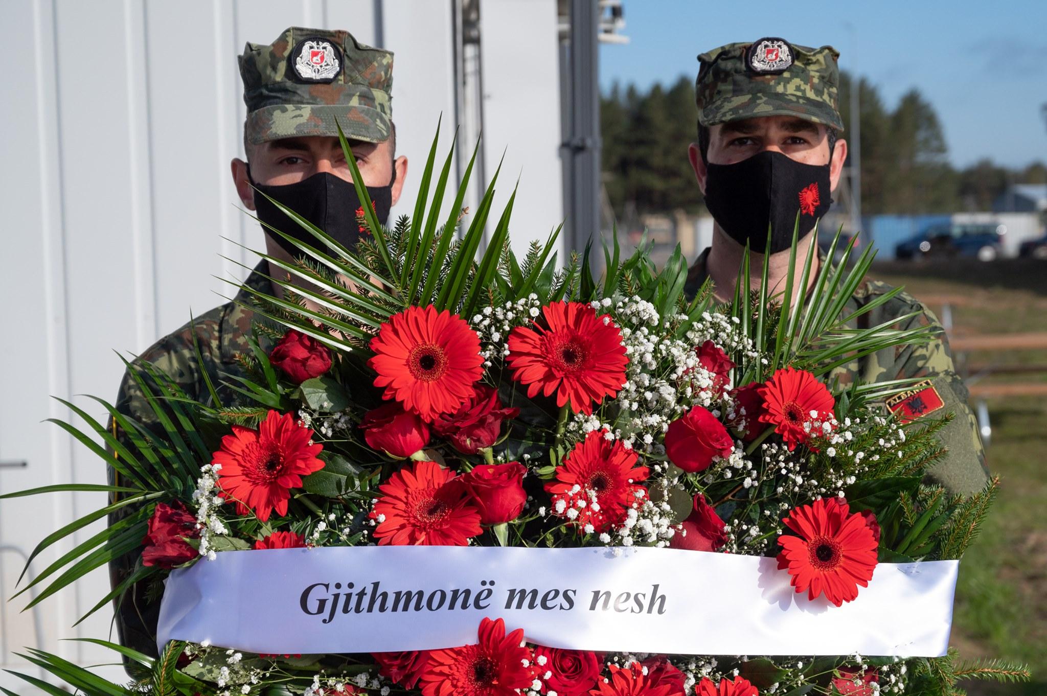 NATO në Letoni përkujton Dëshmorët Klodian Tanushi e Zarife Hasanaj: Gjithmonë mes nesh