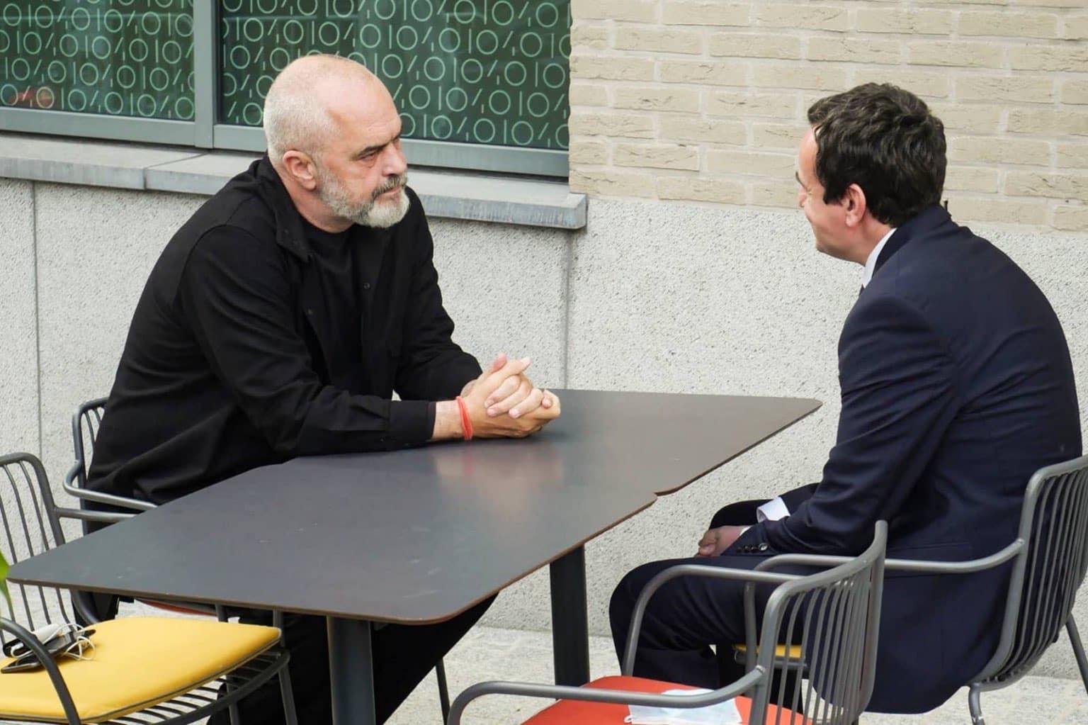 Edi Rama dhe Albin Kurti takohen në Bruksel, çfarë u diskutua