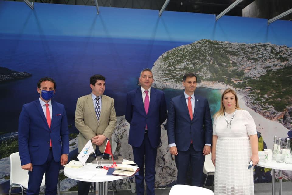 """""""Do i japë frymë rimëkëmbjes së turizmit"""", Blendi Klosi takon homologun grek: Garantohet lëvizjen e lirë në kufi"""