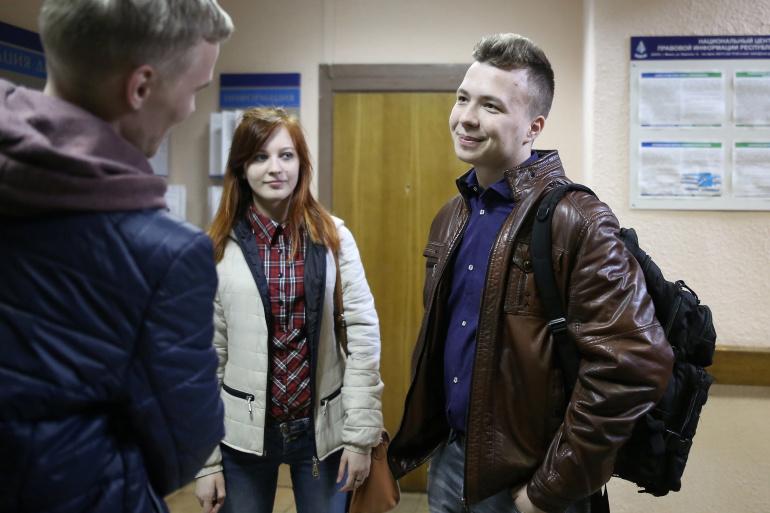 Kolegët e gazetarit bjellorus frikësohen për jetën e tij