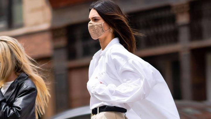 Kendall Jenner na tregon dy nuancat për një pamje minimaliste
