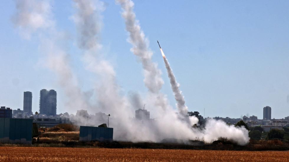 Hamas qëllon 15 raketa në drejtim të reaktorit bërthamor të Izraelit