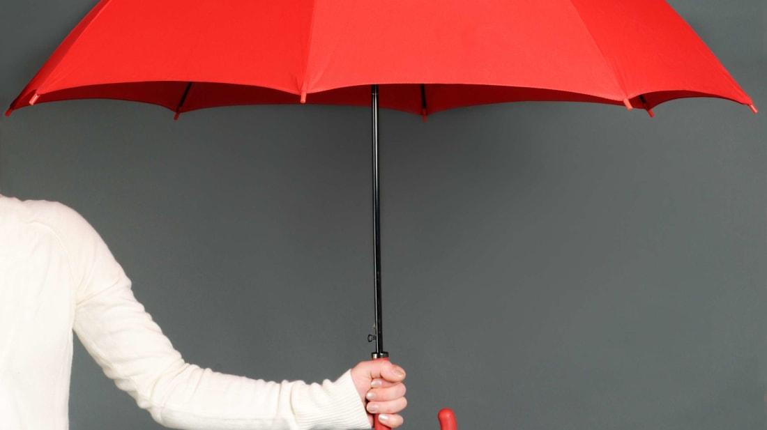 Pse besohet se hapja e një çadre në ambiente të mbyllura ka fat të keq?