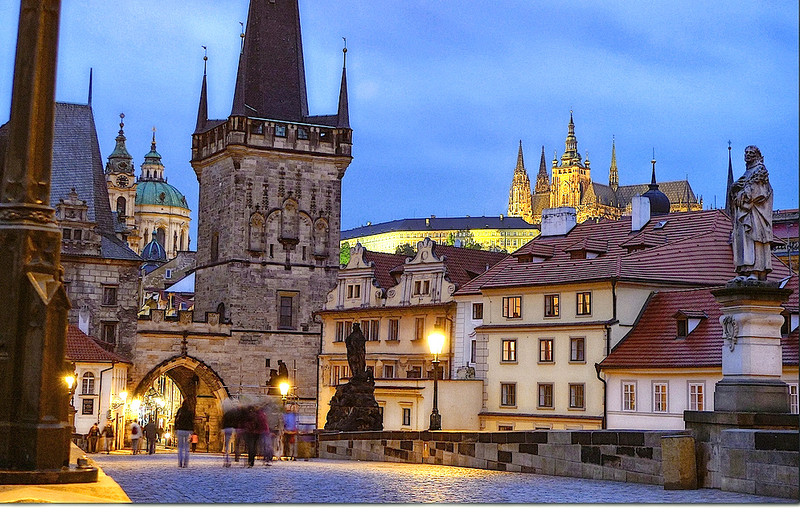 Dëbimi i diplomatëve nuk do t'i japë fund problemit të Rusisë në Europën Qendrore