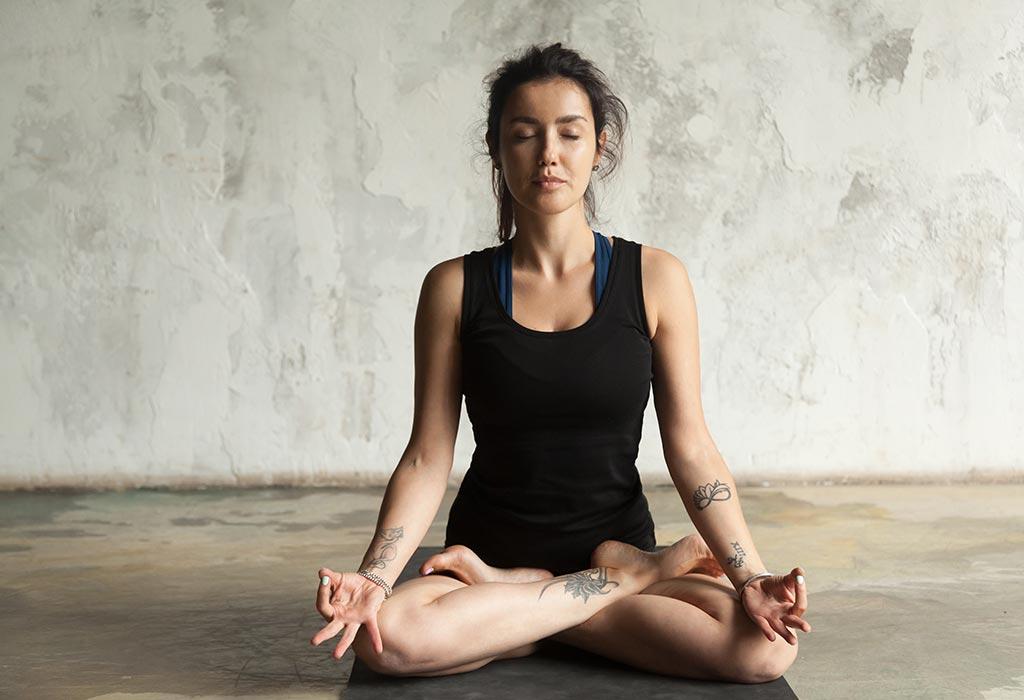 Si yoga ndihmon në luftimin e depresionit