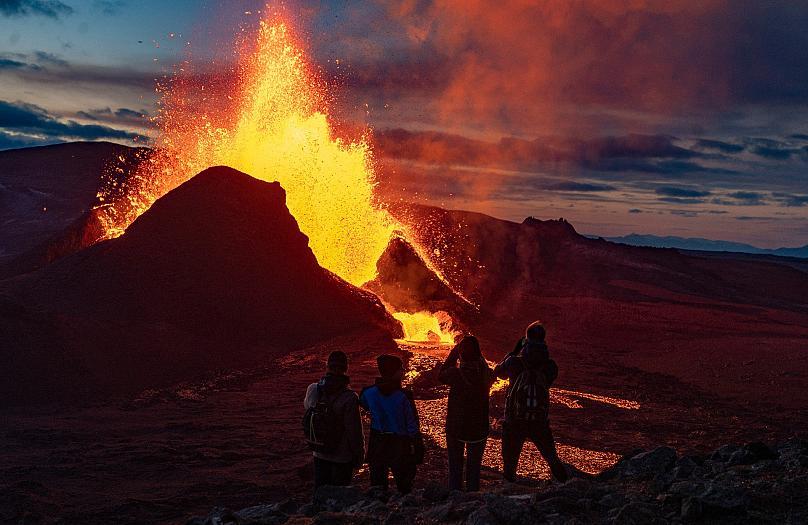Pamje spektakolare nga shpërthimi i vullkanit në Islandë, u riaktivizua pas 6 mijë vjetësh