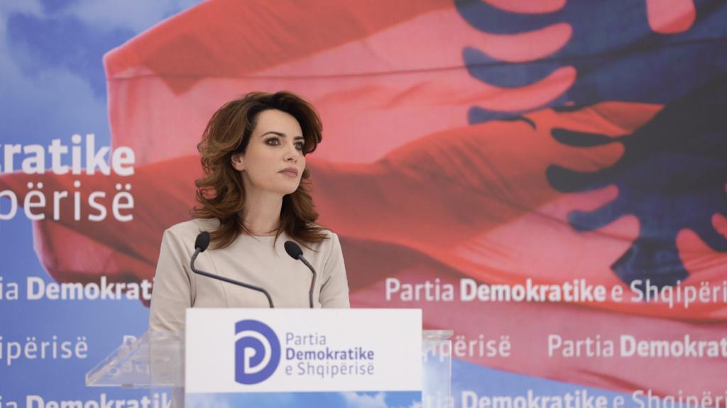 PD zbardh skemën: Si u blenë votat në Bashkinë e Rrogozhinës nga 1 deri në 35 milion lekë për familje