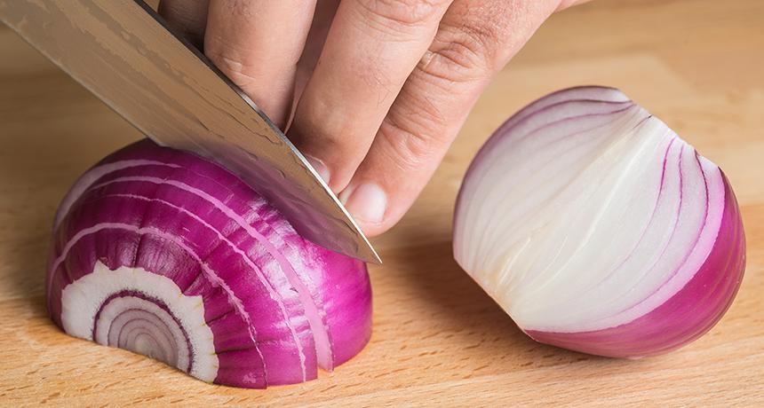 Nëse vendosni qepë në ushqim duhet të dini tre gjëra themelore