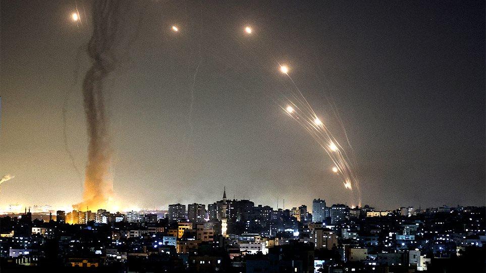 """""""Iron Dome"""", të pathënat e sistemit raketor që po mbron qiellin e Izraelit"""
