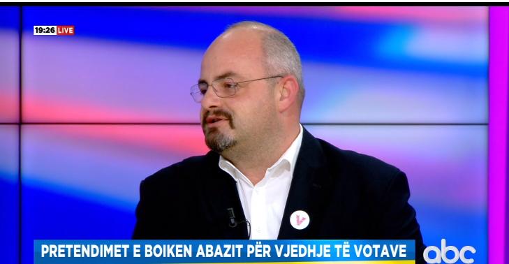 Videot me manipulimin e votës, Abazi: E kanë mbrojtjen nga lart, po heshtin edhe ndërkombëtarët