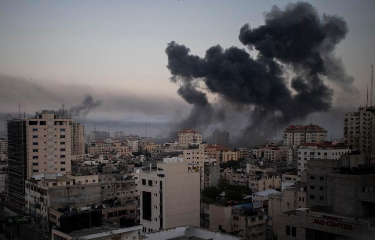 Goditje me raketa pranë ambasadës shqiptare në Izrael: Jemi të shqetësuar për sulmet pa kriter nga Hamasi