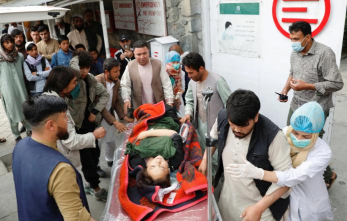 Bombë jashtë një shkolle vajzash, 20 viktima e 40 të plagosur në Afganistan