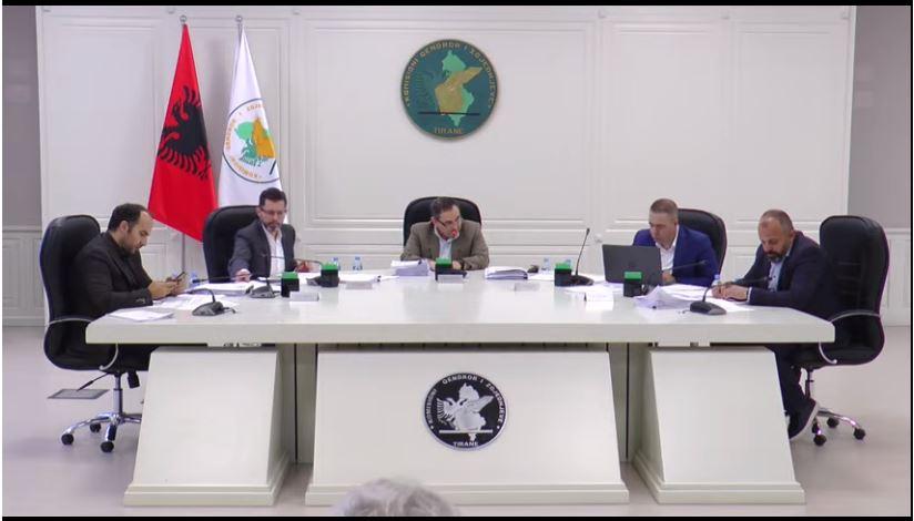 KAS rrëzon kërkesën e LSI dhe PD, nuk ka përsëritje zgjedhjesh në Korçë e Elbasan
