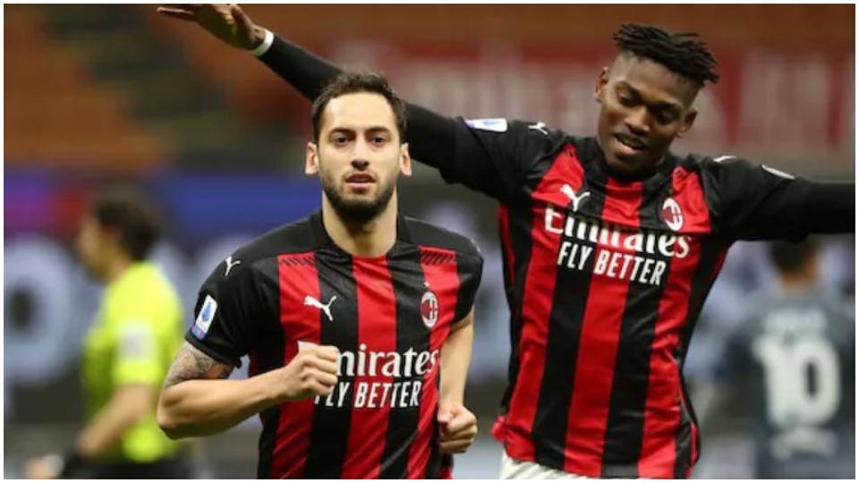 Milani do pasues për Calhanoglu, nisin lëvizjet për një shqiptar