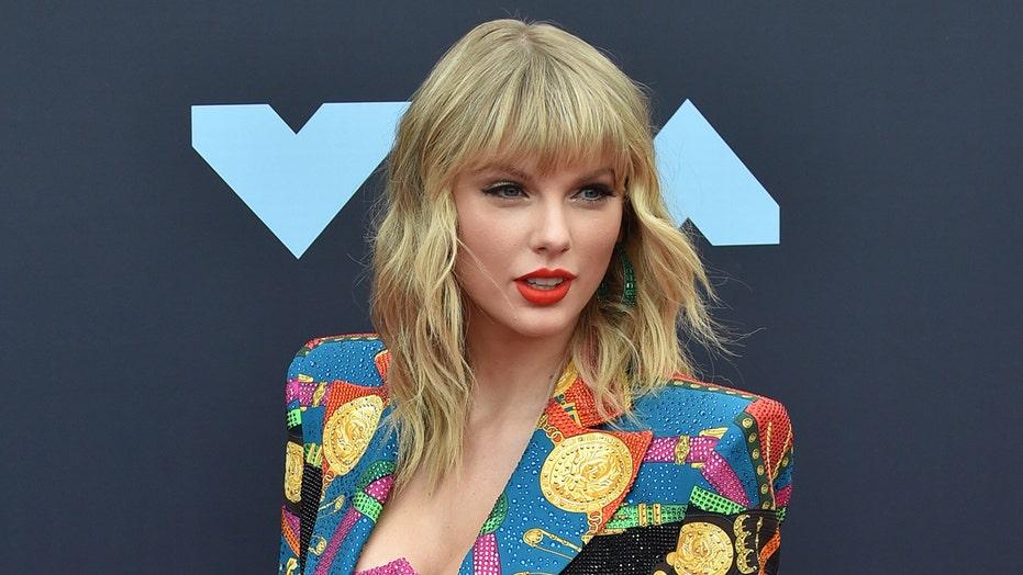 """Taylor Swift bën histori në """"Brit Awards"""""""