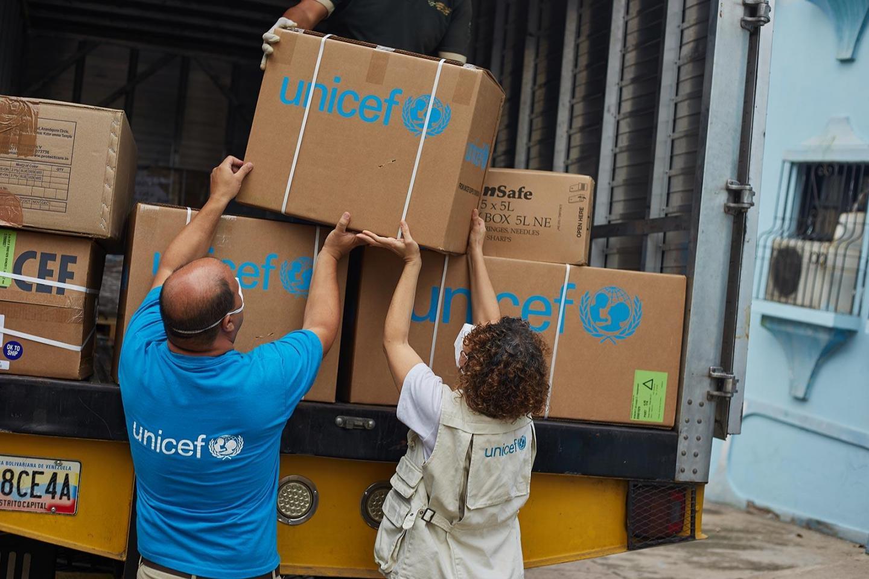 Rusia nënshkruan marrëveshjen me UNICEF, doza Sputnik V për të vaksinuar 110 milionë persona