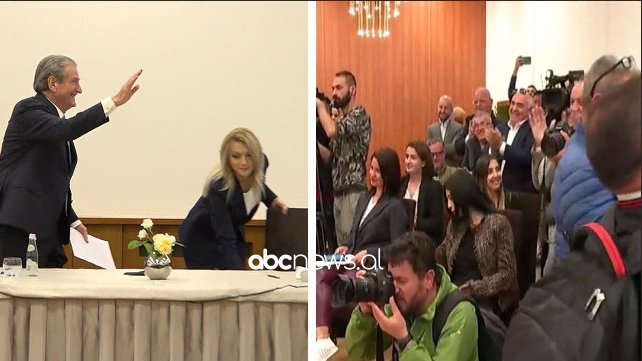 """""""Betejë për nder dhe dinjitet"""", Berisha mbyll konferencën me përgjigjen epike, shpërthejnë brohoritjet"""