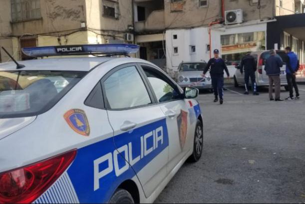 U kap me 1 kg kanabis në automjet, arrestohet 27-vjeçari në Lezhë