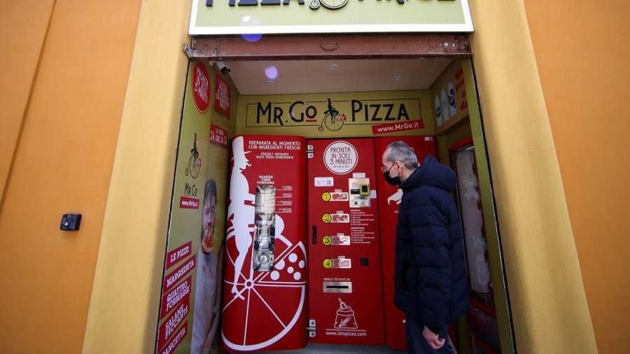 Pica brenda disa minutash, Roma vë në përdorim makinetën e pazakontë