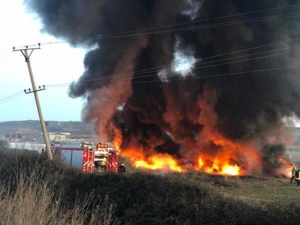 Shpërthen në flakë tubacioni i naftës në një firmë në Ballsh, pëson djegie një punëtor