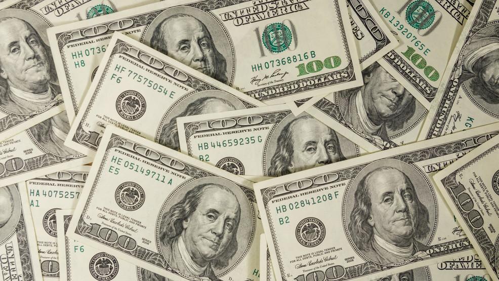 Pa ëndërr që fitoi lotarinë, burri blen biletë dhe fiton plot 300 mijë dollarë