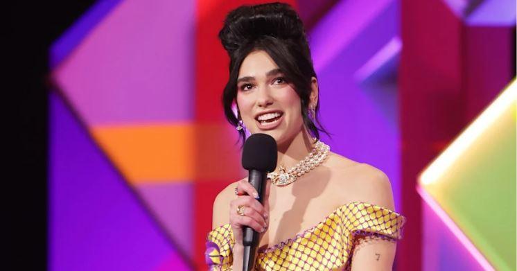 """Dua Lipa nuk di të ndalet, fiton çmimin për këngëtaren më të mirë britanike në """"Brit Awards"""""""