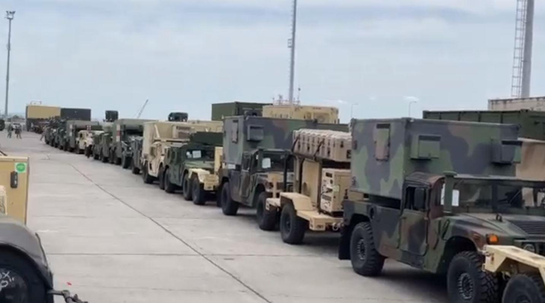 """""""Bishat"""" amerikane në Durrës, mbërrijnë qindra mjete të tjera ushtarake"""