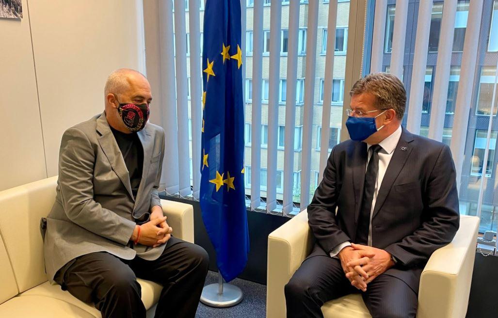 Darka e liderëve të Ballkanit në Bruksel, Lajçak poston foto me Ramën: E urova për fitoren