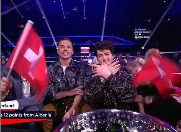 Emocione kuq e zi! Mori pikët maksimale nga Shqipëria, Gjon Muharremaj feston me simbolin e shqiponjës
