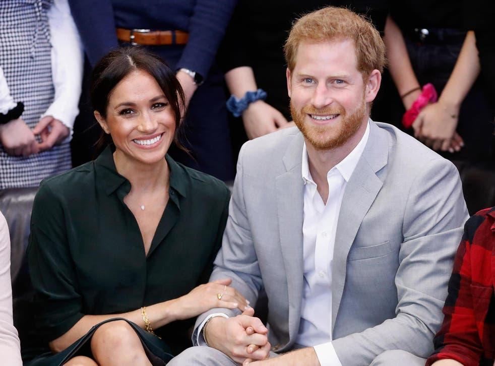 """""""Bënim sikur s'njiheshim"""", Harry tregon takimin e parë me Meghan: Ishim në një supermarket"""